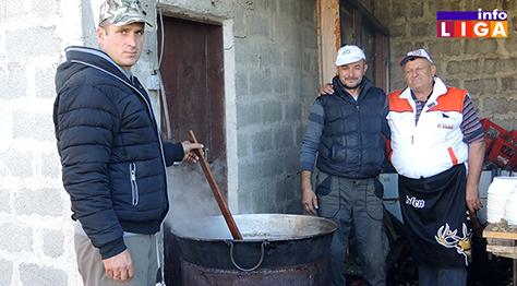 IL-Kuvar-Sreten-sa-ekipom Sreten kuva za dobro raspoloženje