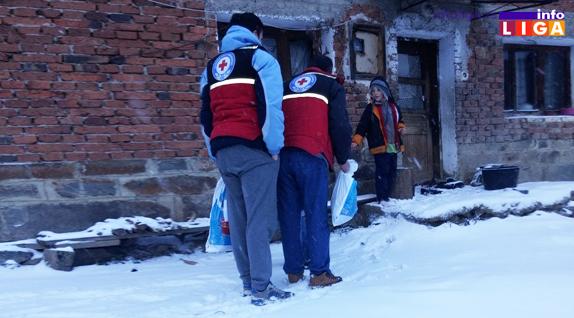 Novogodišnji paketići obradovali decu sa seoskog područija