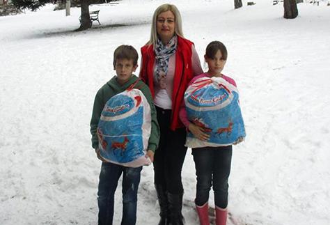 IL-CK-paketici-4 Novogodišnji paketići obradovali decu sa seoskog područija