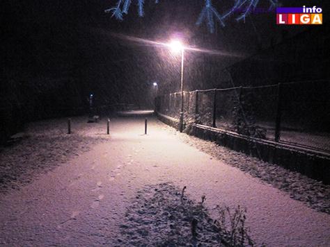 IL-sneg5 Snežna vejavica u ponoć (VIDEO)