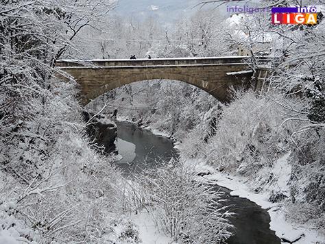 IL-sneg16-5 Zima u Ivanjici u slici i reči