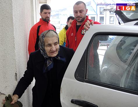 IL-spasavanje-bake-6 Izvlačili iz smetova bolesnu staricu