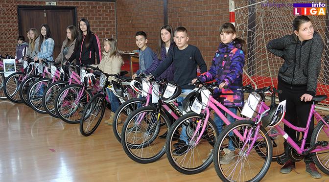 Bicikle za najuspešnije učesnike konkursa