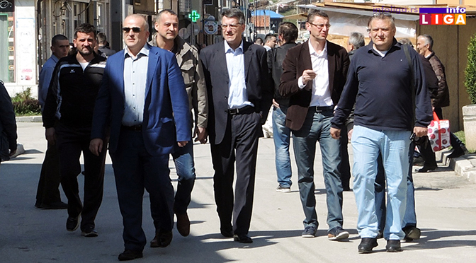 Predsednički kandidat Aleksandar Popović posetio Ivanjicu