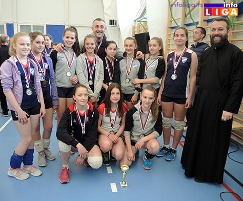 IL-Pionirke-Drugo-mesto-ZOK-Ivanjica Preko 200 devojčica učestvovalo na Vaskršnjem odbojkaškom turniru