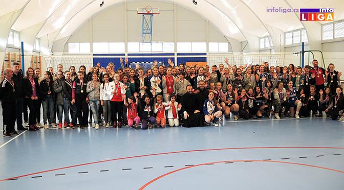 Preko 200 devojčica učestvovalo na Vaskršnjem odbojkaškom turniru