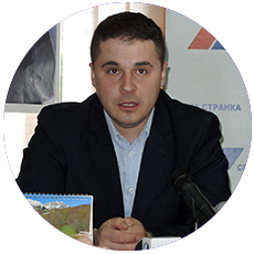 IL-dolovic-sns Novoj Srbiji crveni karton