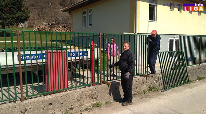 Škola u Osonici dobija novu dvorišnu ogradu