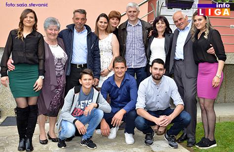 IL-Porodica-bugarcic ZLATNI MLADENCI - Ljubav neprocenjive vrednosti