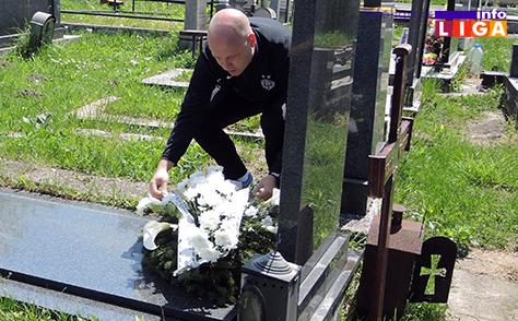 IL-delegacija-Partizana-na-grobu-Vladice-Kovacevica3 Delegacija Partizana posetila grob Vladice Kovačevića