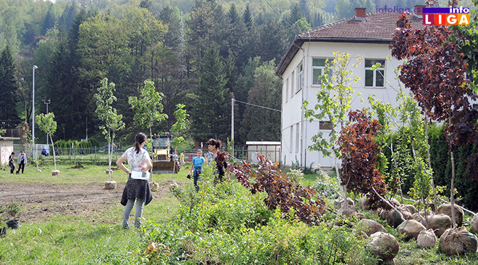 Počelo uredjenje kruga Doma zdravlja – volonteri KZM najvredniji