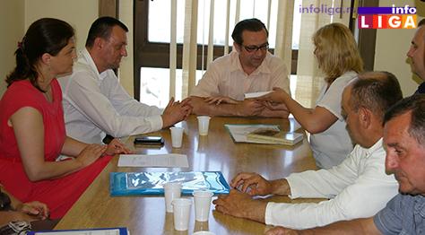 IL-akreditacija-dom-zdravlja-ivanjica2 Direktor Agencije za akreditaciju predao sertifikat Ivanjičanima
