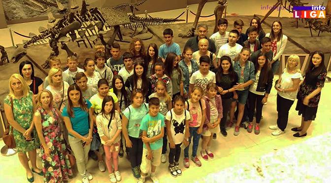 Škola u Prilikama najboljim učenicima podarila sjajno putovanje
