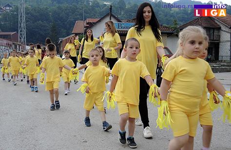 IL-rastimo-uz-ples-ivanjica1 Mališani na trgu Doma kulture u manifestaciji ''Rastimo uz ples''