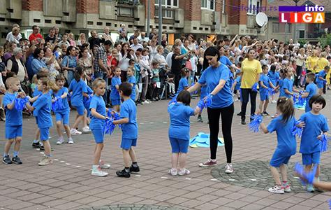 IL-rastimo-uz-ples-ivanjica4 Mališani na trgu Doma kulture u manifestaciji ''Rastimo uz ples''