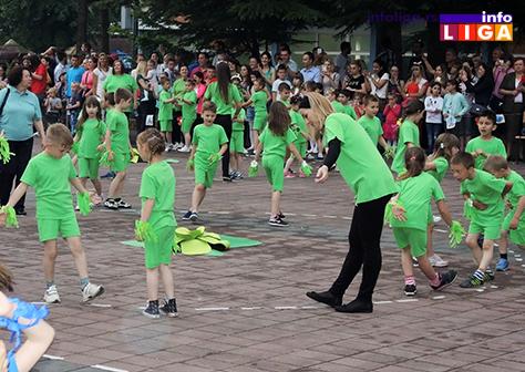 IL-rastimo-uz-ples-ivanjica5 Mališani na trgu Doma kulture u manifestaciji ''Rastimo uz ples''