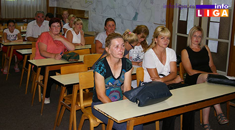 IL-pcele-ugovori2 Opština Ivanjica donirala košnice nezaposlenim ženama za pokretanje sopstvenog biznisa