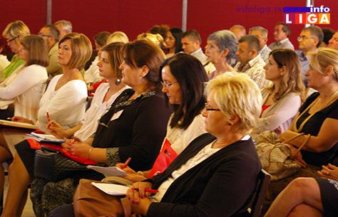 IL-seminar-nabavke3 Stručni seminar prosvetara na temu javnih nabavki i seta novih zakona