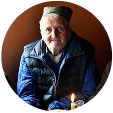 IL-bratljevo-bez-struje-mile Danonoćno radili da bi struja stigla u selo a sada stare uz sveću