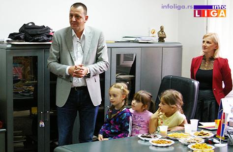 IL-prijem-kod-predsednika-decija-nedelja2 Deca se družila sa predsednikom opštine a kasnije uživala na predstavi