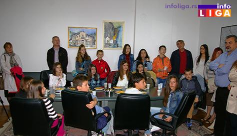 IL-prijem-kod-predsednika-decija-nedelja3 Deca se družila sa predsednikom opštine a kasnije uživala na predstavi