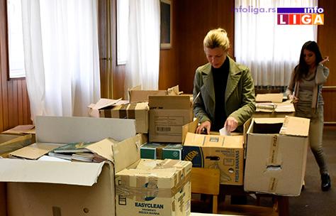 IL-knjige-2 Beogradska škola darovala knjige za decu iz Ivanjice