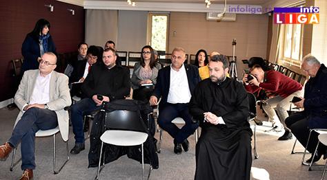 IL-panel-diskusija2 Panel diskusija u Ivanjici o  medijskoj strategiji, odnosu medija i vlasti nakon privatizacije
