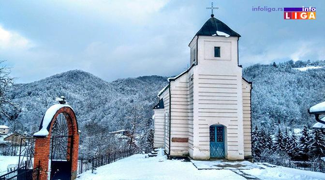 Opšta tuča u crkvenoj porti na Badnje veče