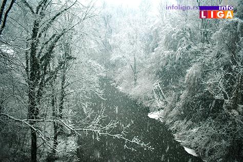 IL-lepsa-strana-snega-1 Lepša strana snežnih padavina u Ivanjici (FOTO)
