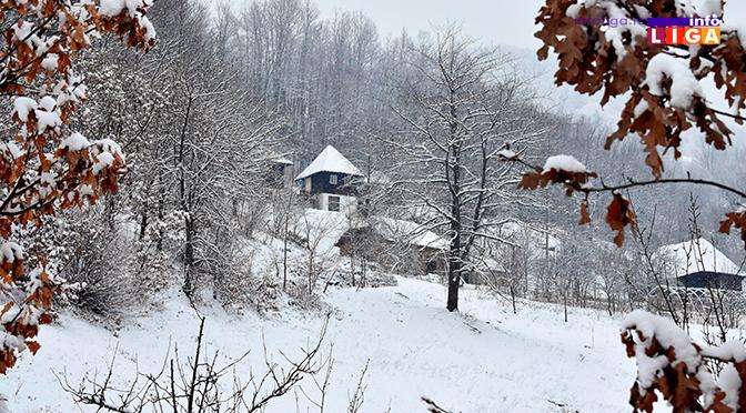 Sneg i led na putevima – neophodan oprez za volanom (VIDEO)
