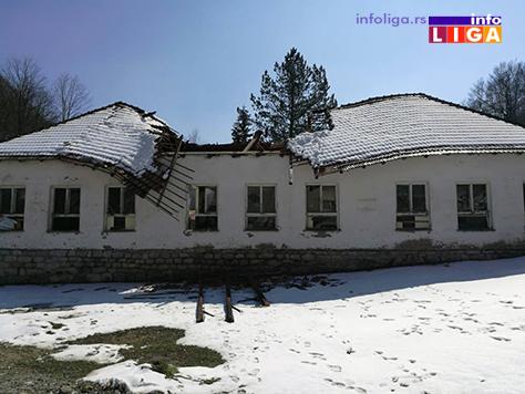 IL-krov-skola-mocioc3 Urušio se krov stare škole u Močiocima