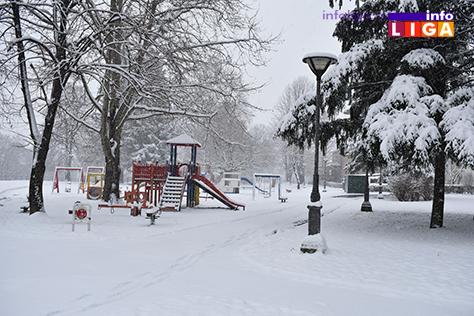 IL-sneg-mart-18-park Sneg u višim predelima i do 20 centimetara