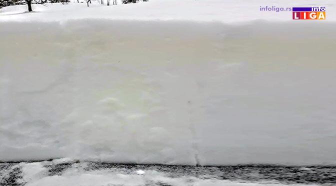Nesvakidašnja pojava u okolini Ivanjice – Pao žuti sneg