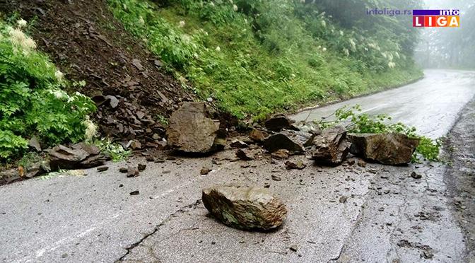 Klizišta ugrožavaju saobraćaj – Ovako je juče bilo na putu prema Goliji