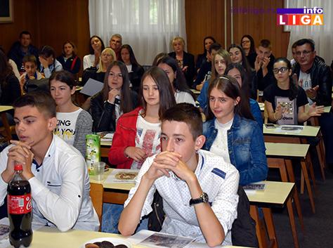 IL-vukovci1 Lokalna samouprava nagradila najbolje učenike