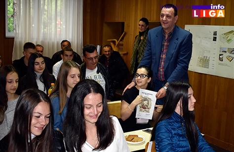 IL-vukovci3 Lokalna samouprava nagradila najbolje učenike