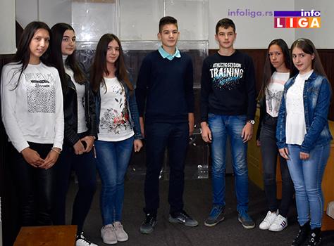IL-vukovci4 Lokalna samouprava nagradila najbolje učenike