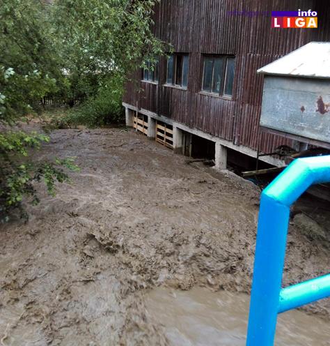 IL-poplava-devici1 U Devićima, Ostatiji i Brusniku voda nosila sve pred sobom (FOTO)