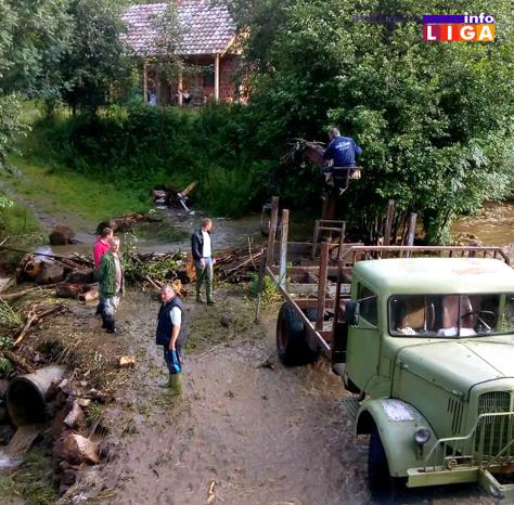 IL-poplava-munjici-brusnik2 U Devićima, Ostatiji i Brusniku voda nosila sve pred sobom (FOTO)