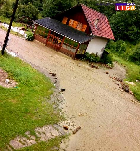 IL-poplava-munjici-brusnik3 U Devićima, Ostatiji i Brusniku voda nosila sve pred sobom (FOTO)
