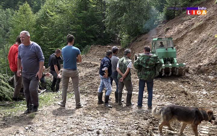 IL-vojska-devici-18-3 Vojska Srbije sanira posledice poplava u Ivanjici (VIDEO)