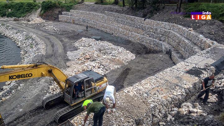 IL-obalutvrda-parkp4 Korito reke Moravice veliko gradilište