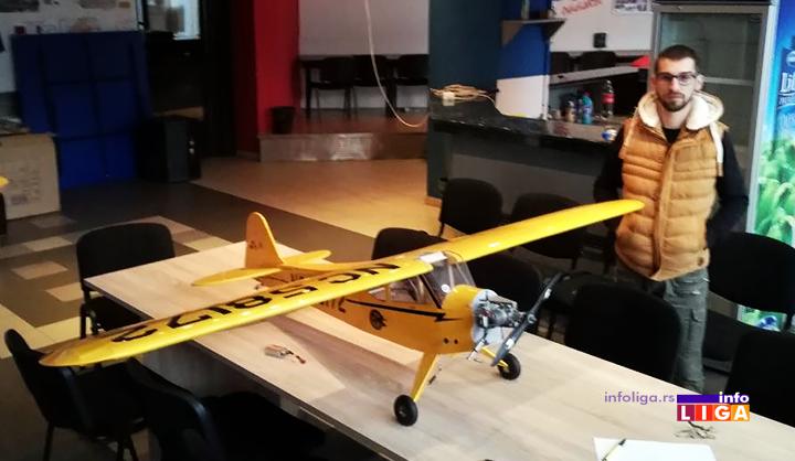 IL-avion-iz-osonice-2 Savo iz Osonice napravio avion