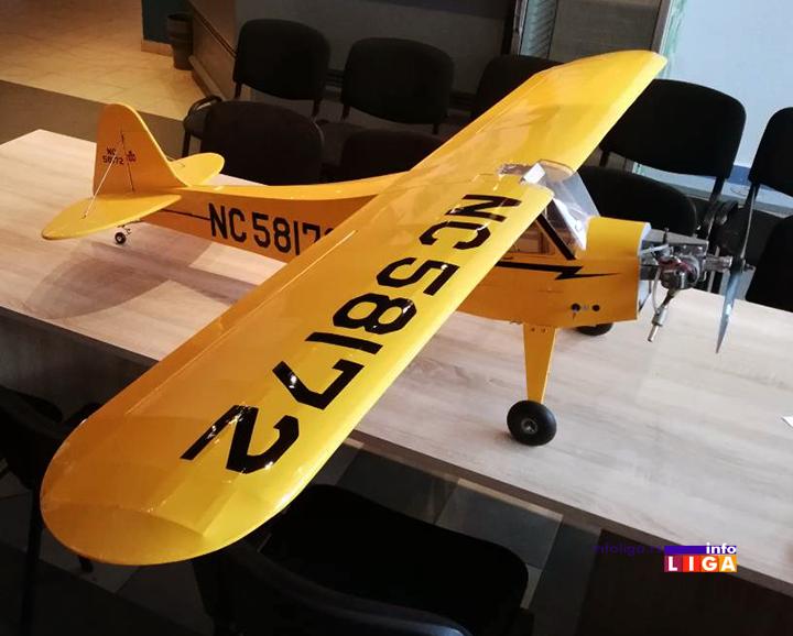 IL-avion-iz-osonice-4 Savo iz Osonice napravio avion