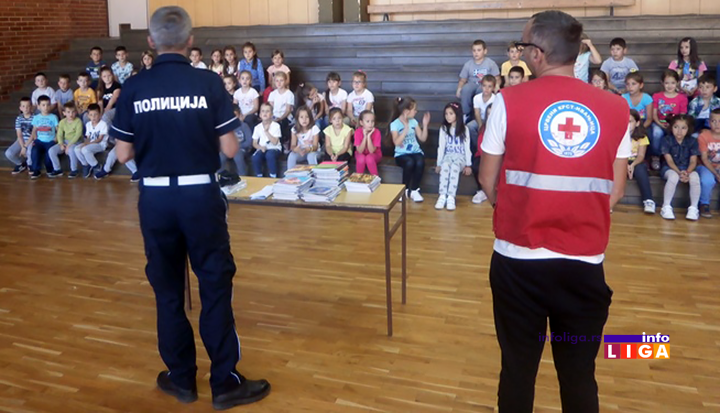 """IL-bezbednost-u-saobracaju2 Crveni krst i policija u akciji """"Zaštitimo decu u saobraćaju"""""""