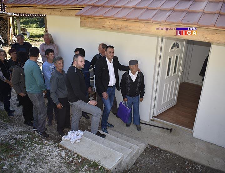 IL-kuca-deda-lale-rovine3 Humanost i novi dom, suze u očima dede Radosava (VIDEO)