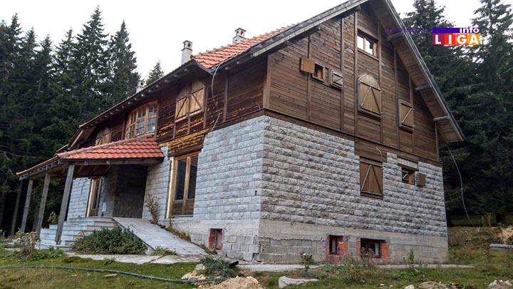 """IL-odvracenica-srbija-sume-4 Nedovršeni vizitorski centar """"Odvraćenica"""" na Goliji, slika nemara i neodgovornosti"""