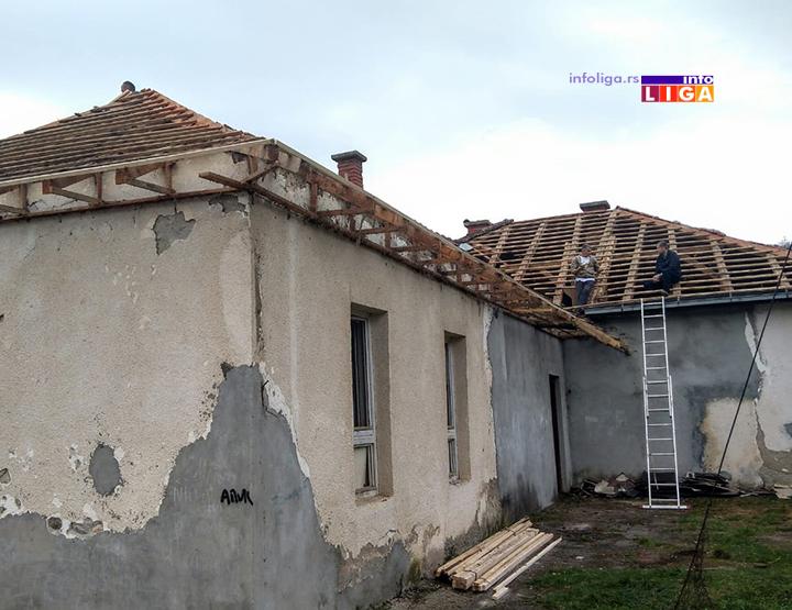 IL-skola-luke-krov Deo stare škole u Lukama dobija novi krov