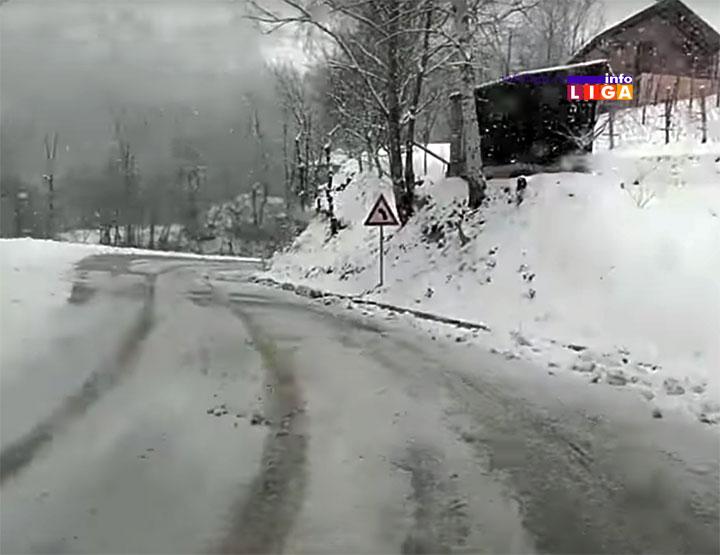 IL-sneg-na-putu-oprez Putevi prohodni - zastoji u saobraćaju zbog letnjih guma