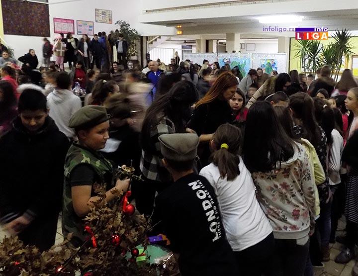 IL-NOVOGODISNJI-SAJAM-I-MASKENBAL-CRNJEVO Novogodišnji sajam i maskenbal u školi u Crnjevu (VIDEO)